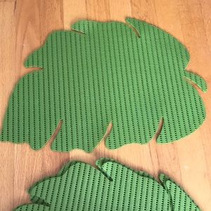 Set of 4 green leaf placemats